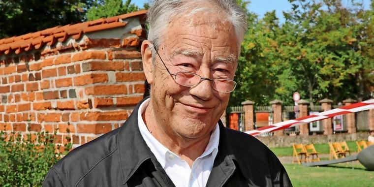 Ex-Ministerpräsident Björn Engholm (80) bei einem Besuch des Kreismuseums in Ratzeburg vor knapp einem Monat.